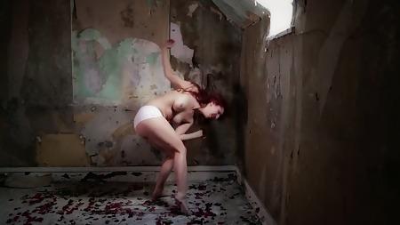 Anaïs Delva  nackt