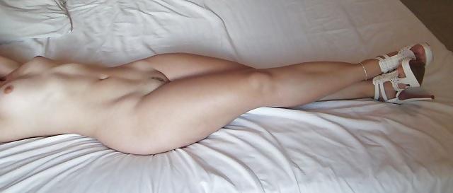 Nude sexy blond