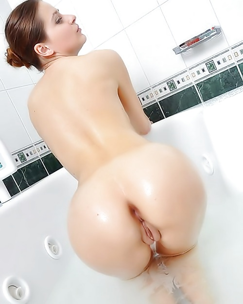 naked-ass-pussy-shower-sexy-white-girl-booty