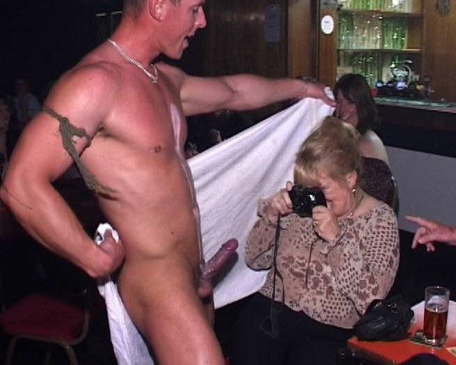 Real male stripper gets a blowjob