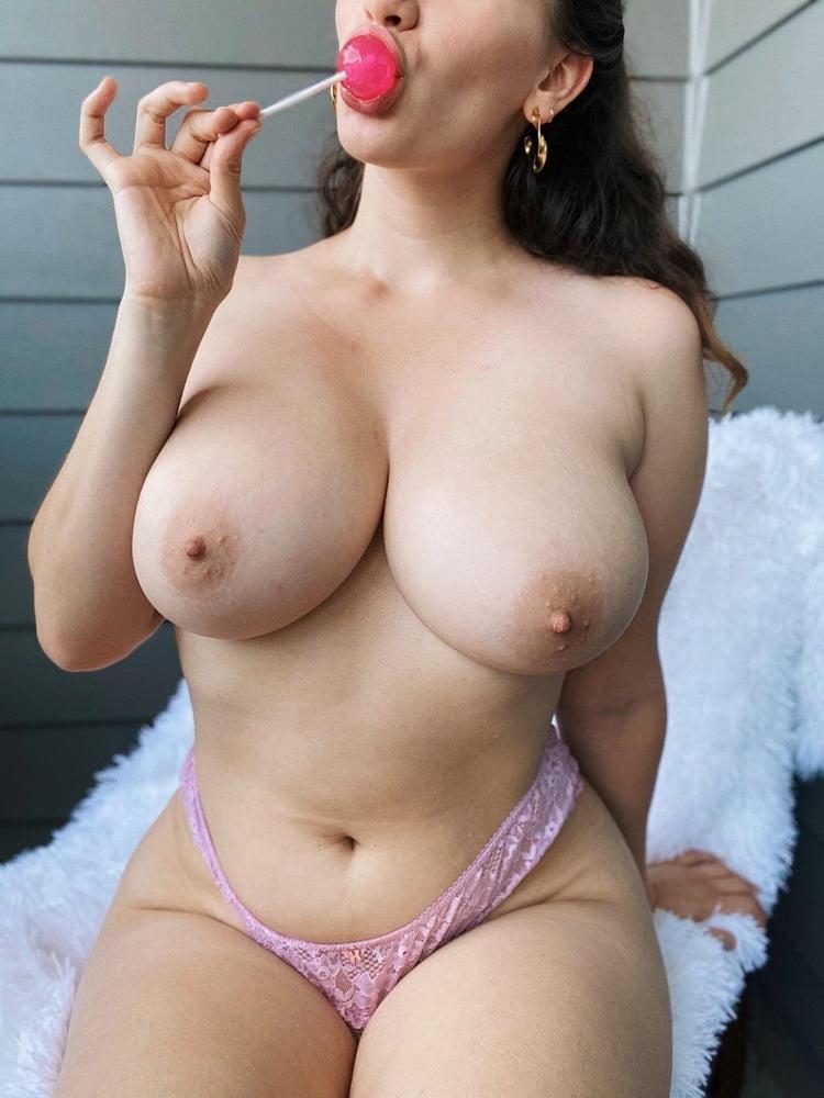 Sagging huge tits-2014