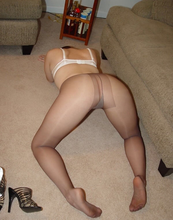 mature You pantyhose tube