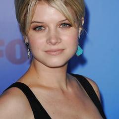 Nackt Sarah Jones  Actresses that