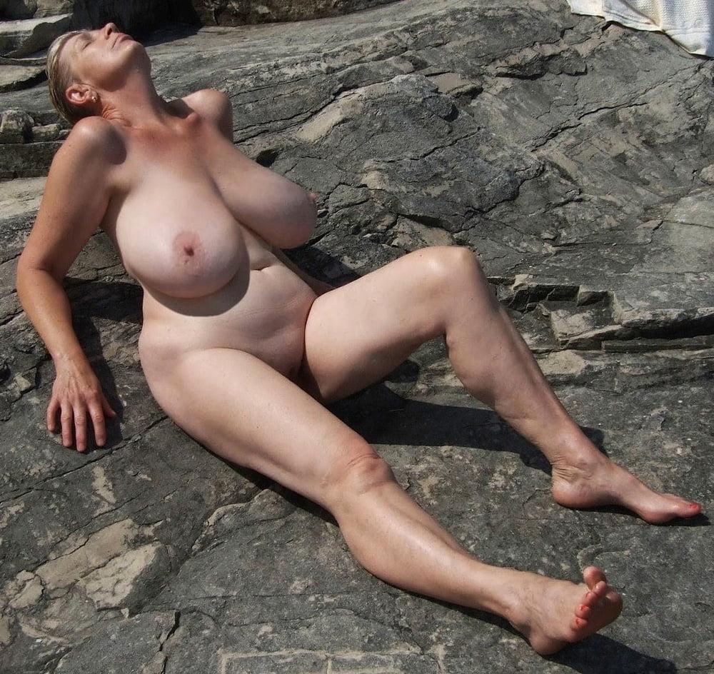 голые старые женщины с огромными сиськами