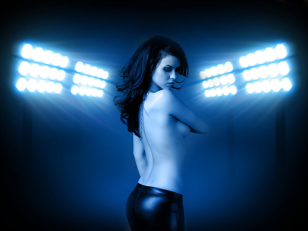 Hottest naked female singer