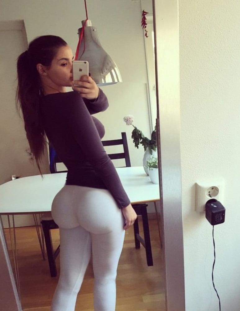 ines-big-ass-italian-naked-women-boobs