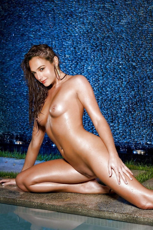 fake-nude-pics-of-gal-gadot