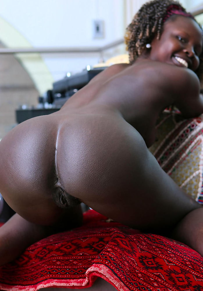 black women dancing sexy