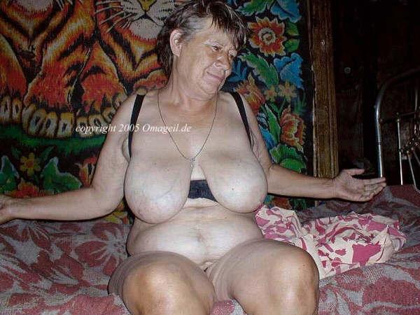Sexy mature mums