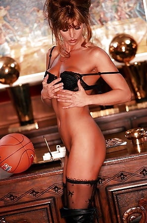 jeanie buss nude pictures