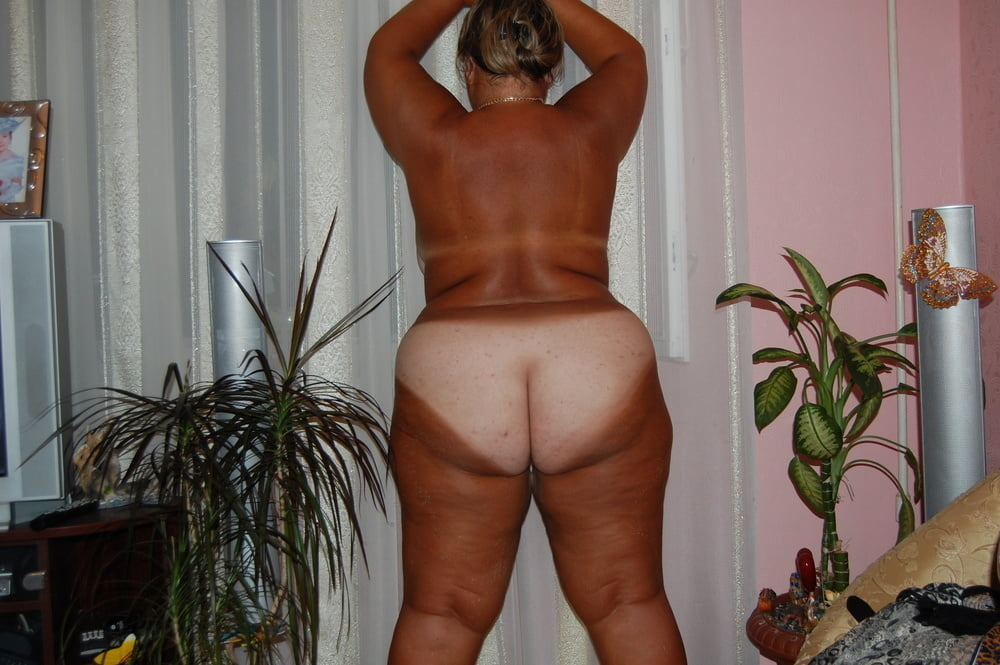 Amateur BBW wife - 25 Pics