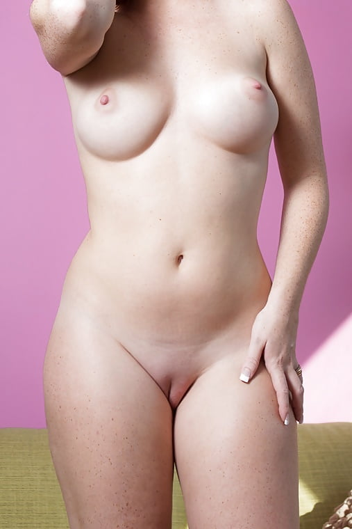 Hot nude chicks pictures