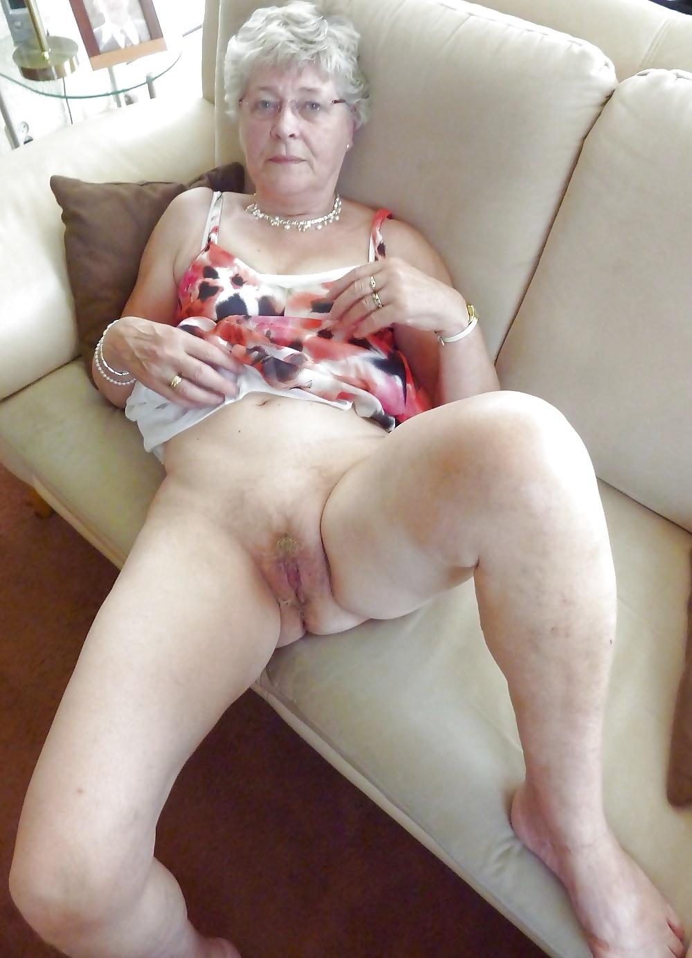 Mature pussy, granny pussy, mature nude pics