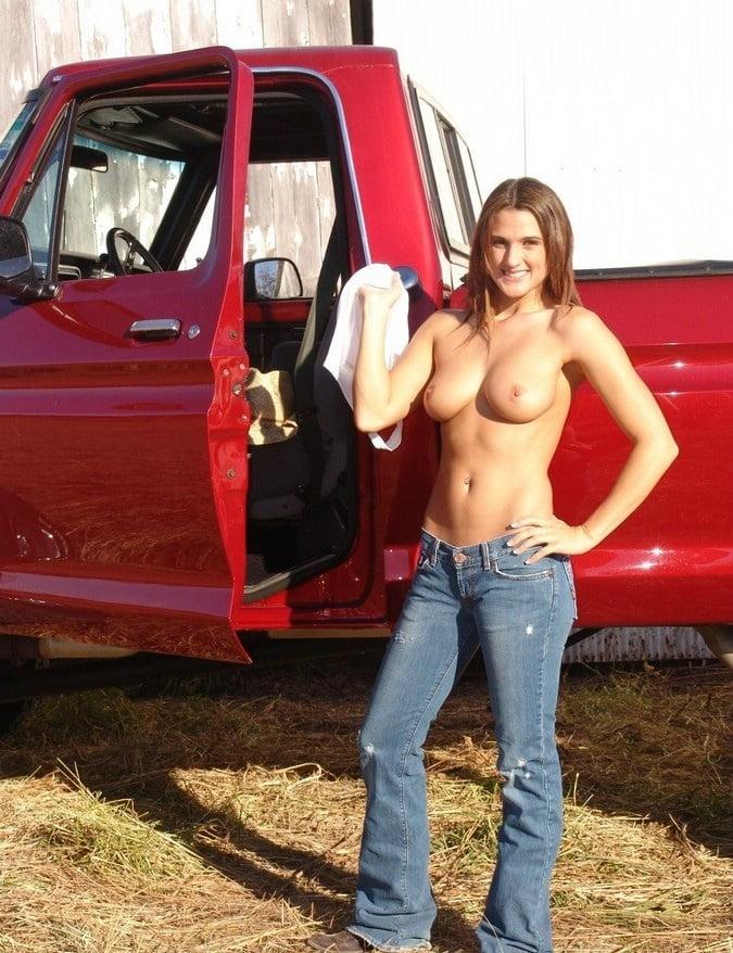 Nude barefoot redneck girls — pic 12