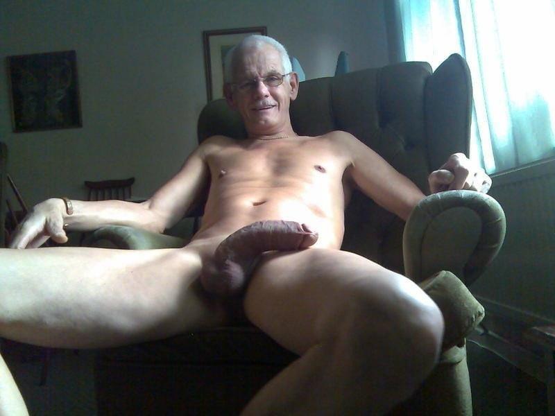 Смотреть порнографии старик с большим членом стараюсь