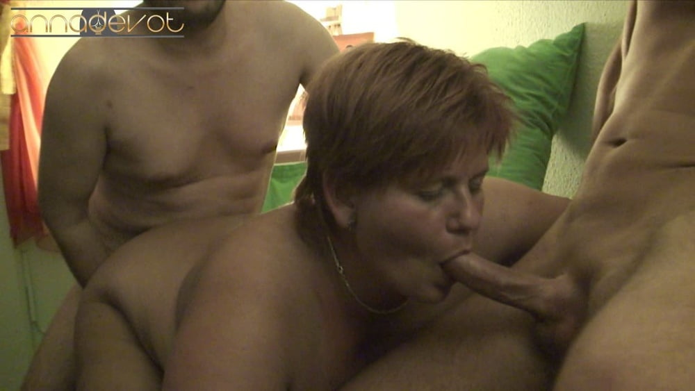 2 cock couch fucking