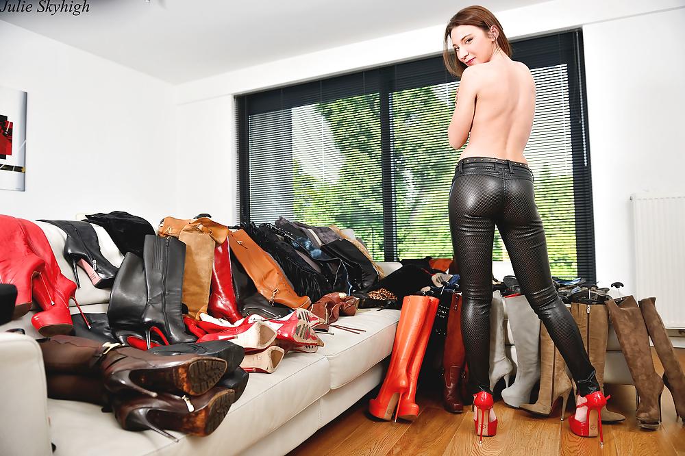 leather-pants-sex-men-who-practice-domination