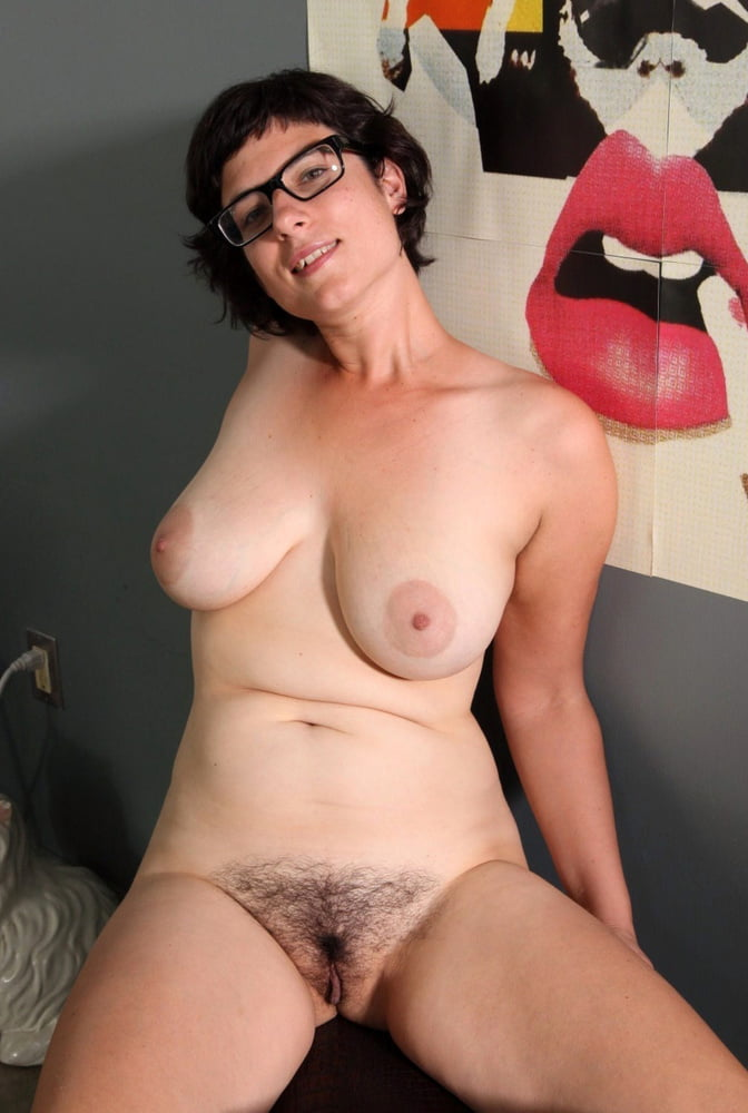 Free hairy pussy with glasses images