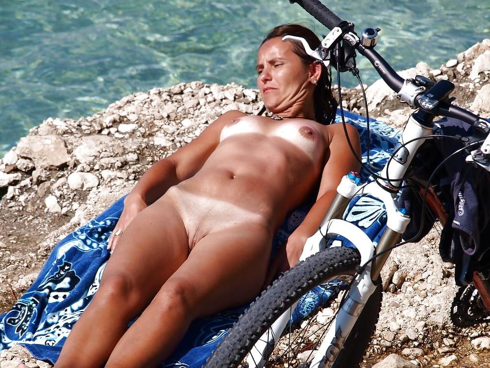 Holiday Naked Girl