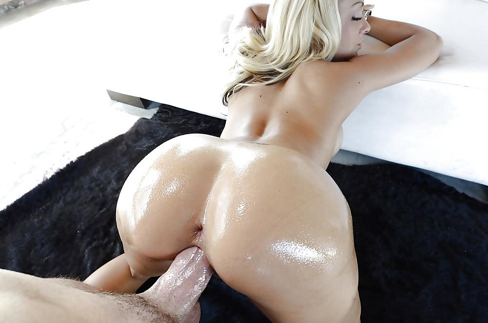 Woman butt naked like dick