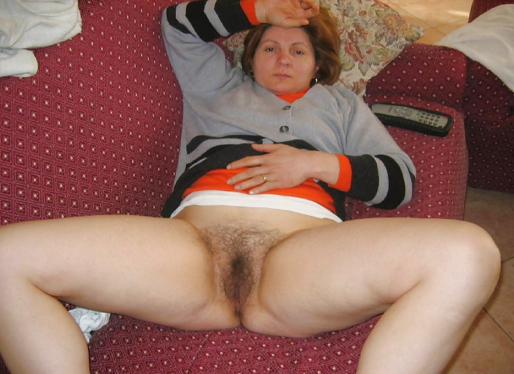 Cock inside amateur mature mom blonde hairy pussy