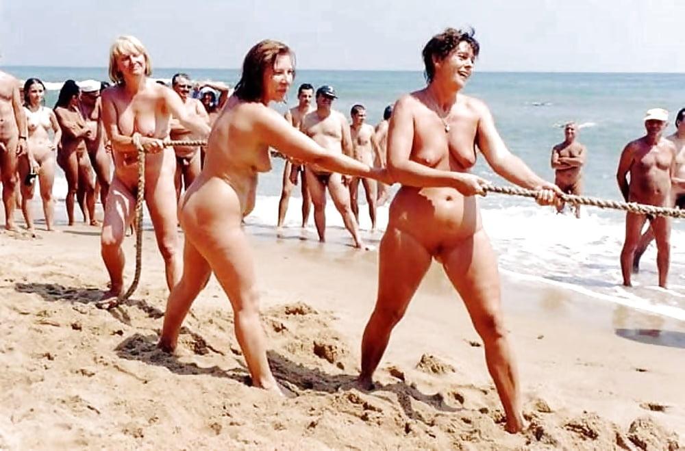 Naked nude tug of war molono