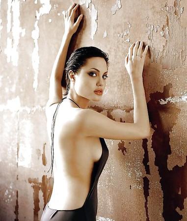 Pics angelina jolie naked Angelina Jolie