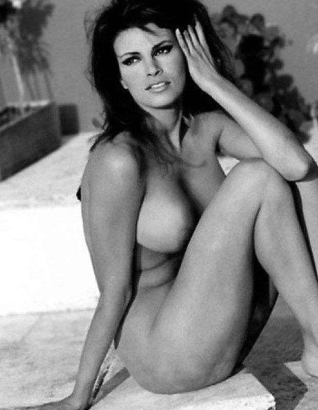 Raquel welch naked tits — pic 14