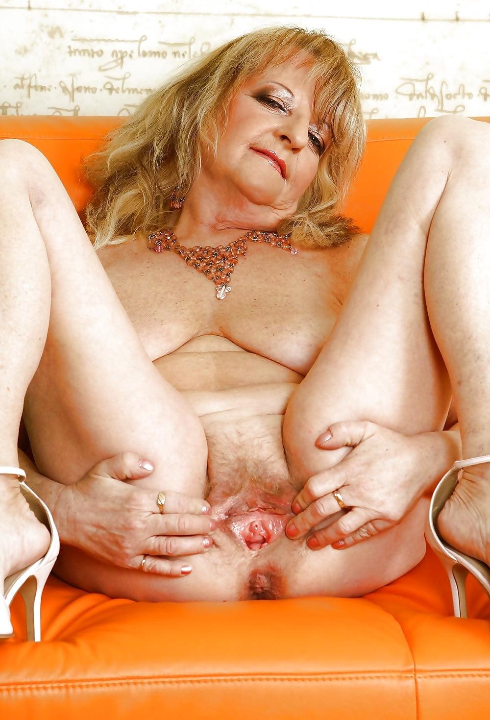 Tasty grannys pussy, club big boob porno