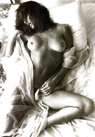 Barbara Leigh  nackt