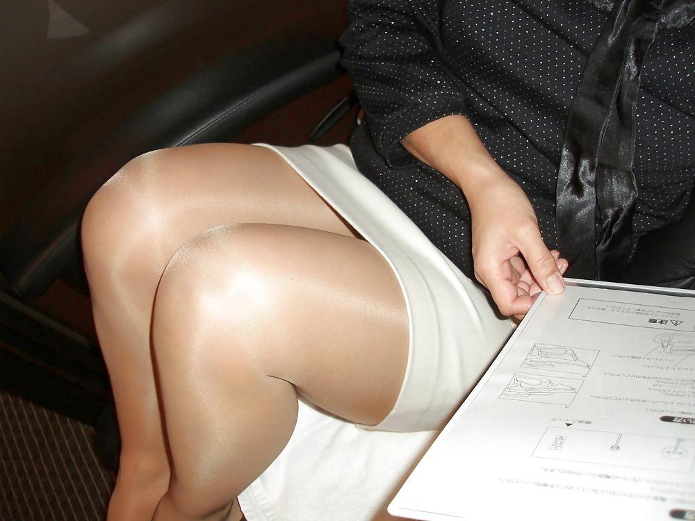 Pantyhose Upskirt Porn Pics
