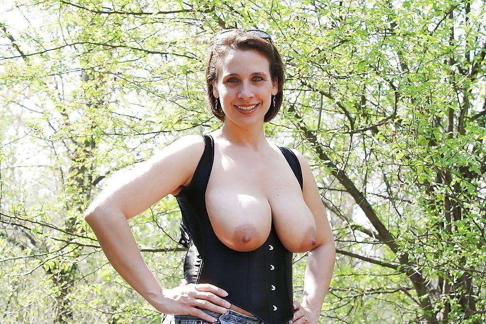 Juggs Outdoor Pics And Huge Tits Porn