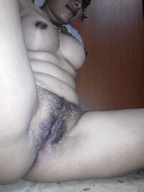 desi-hot-pussy-in-period