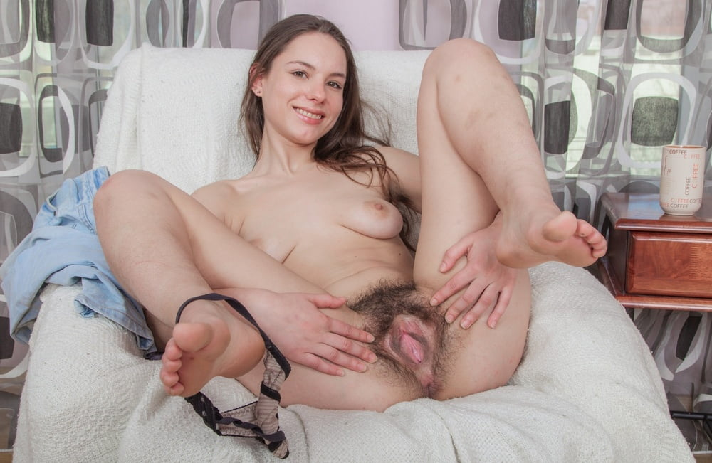 Hairy Amateur Canella Pornvibe 1