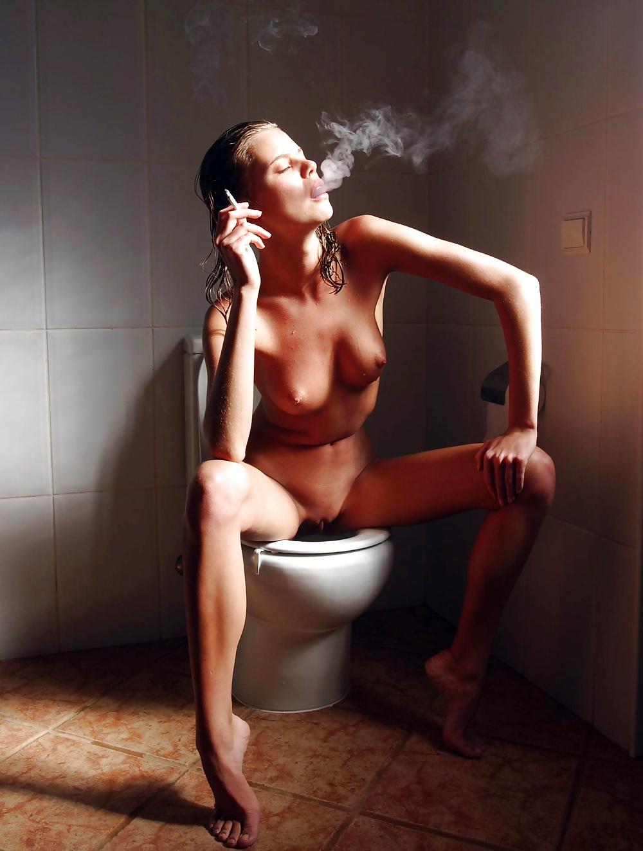 курить и ссать