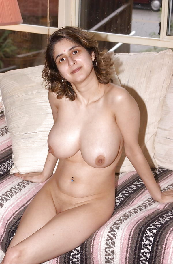 pichunter aunty desi big boobs reena nude