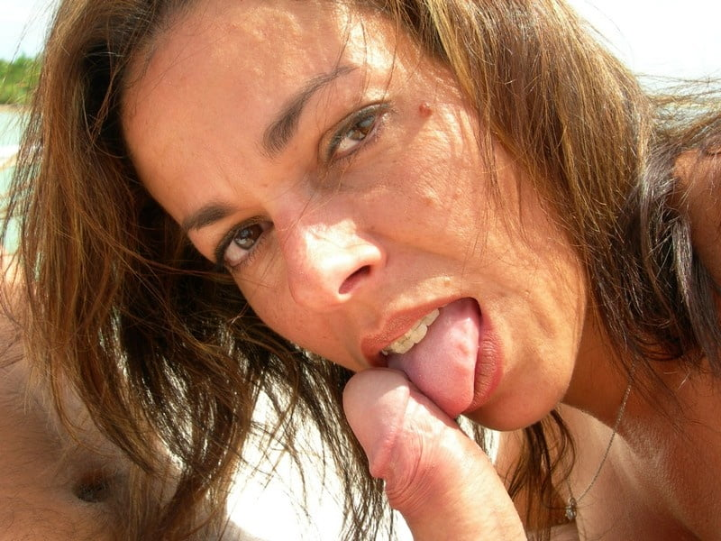 Women - 77 Pics