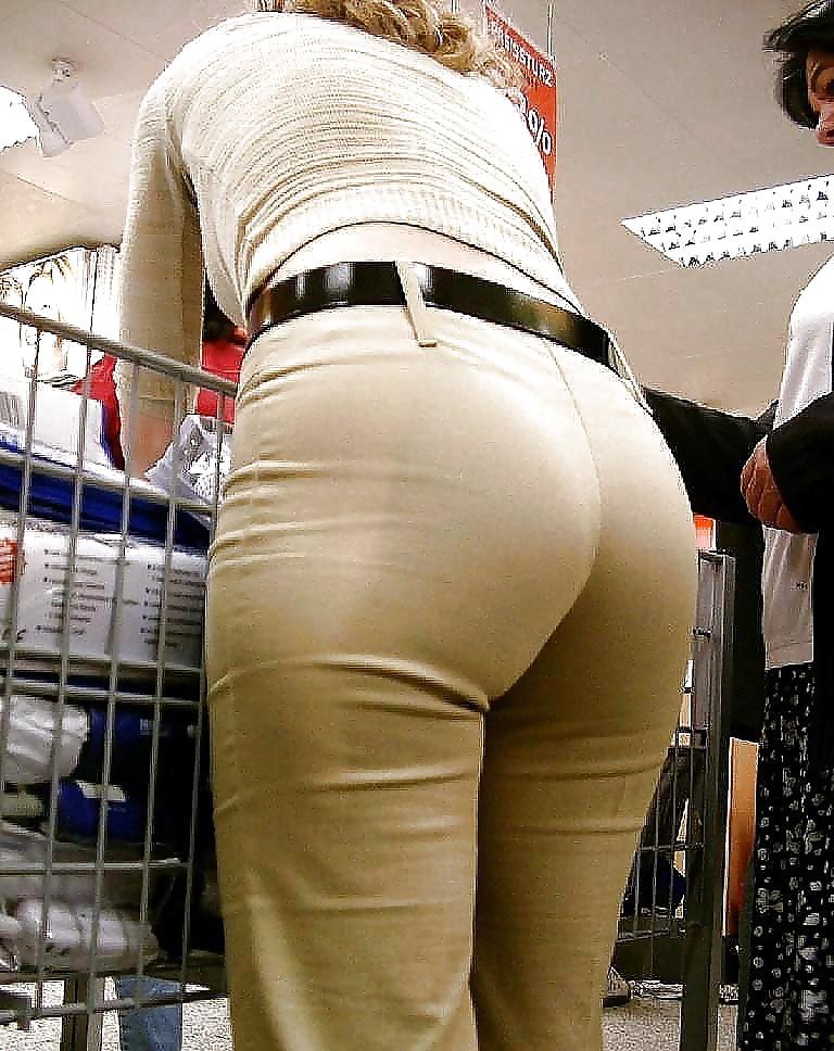 fat-bottom-girls-in-tight-pants-xxx