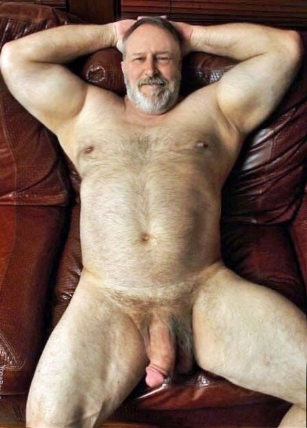 bear-father-naked