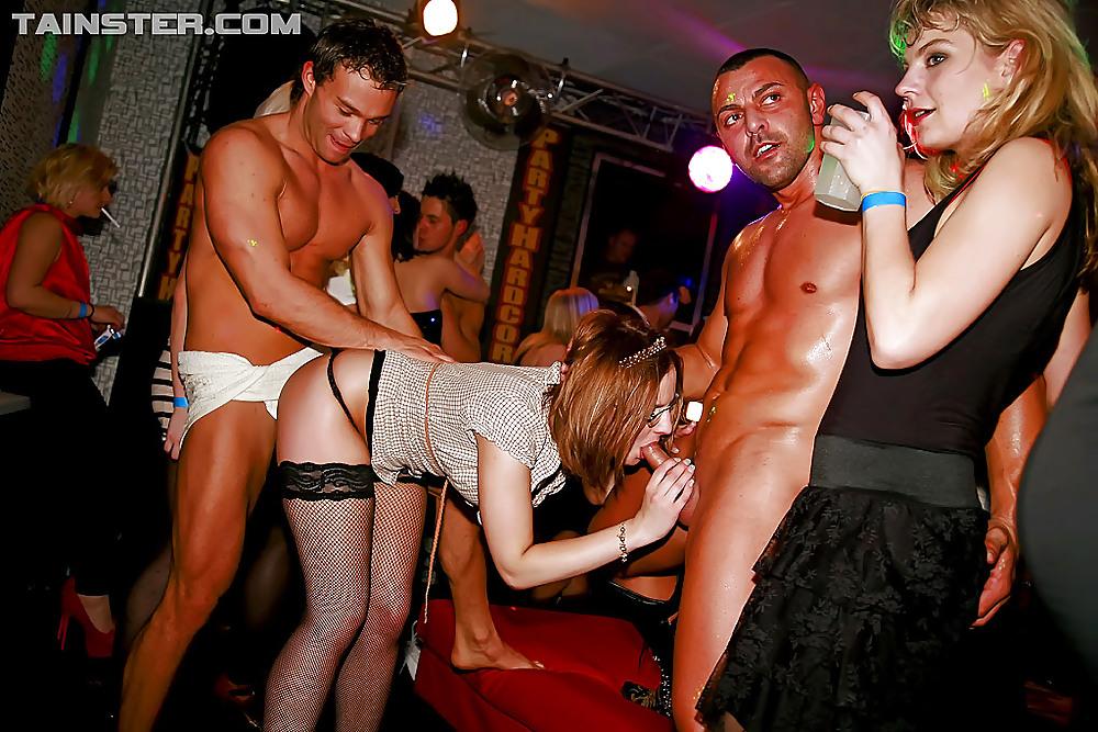 Реальная съемка секс в клубе