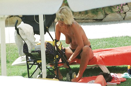 Arabian man naked