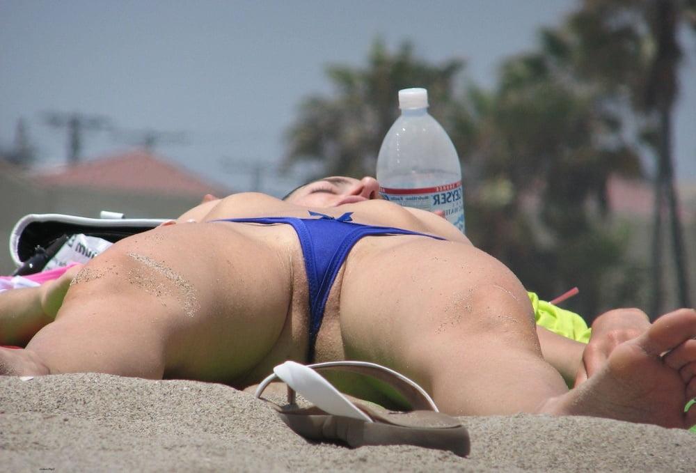 Trina Upskirt En Myrtle Beach Mall
