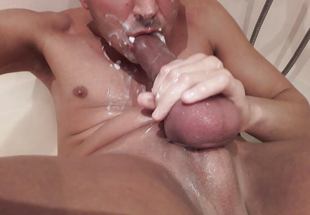 Self Sucking Gay Porno Pics
