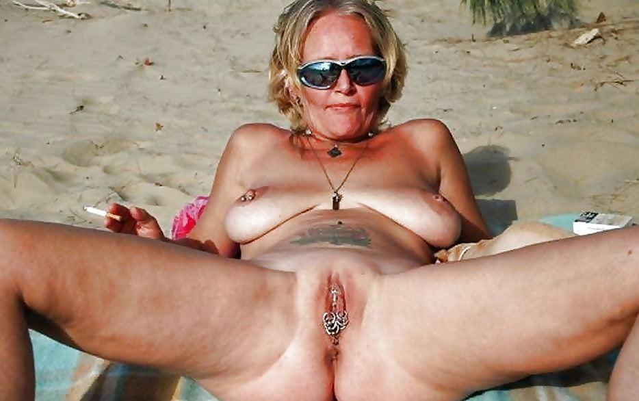 ugly-naked-at-the-beach-pics