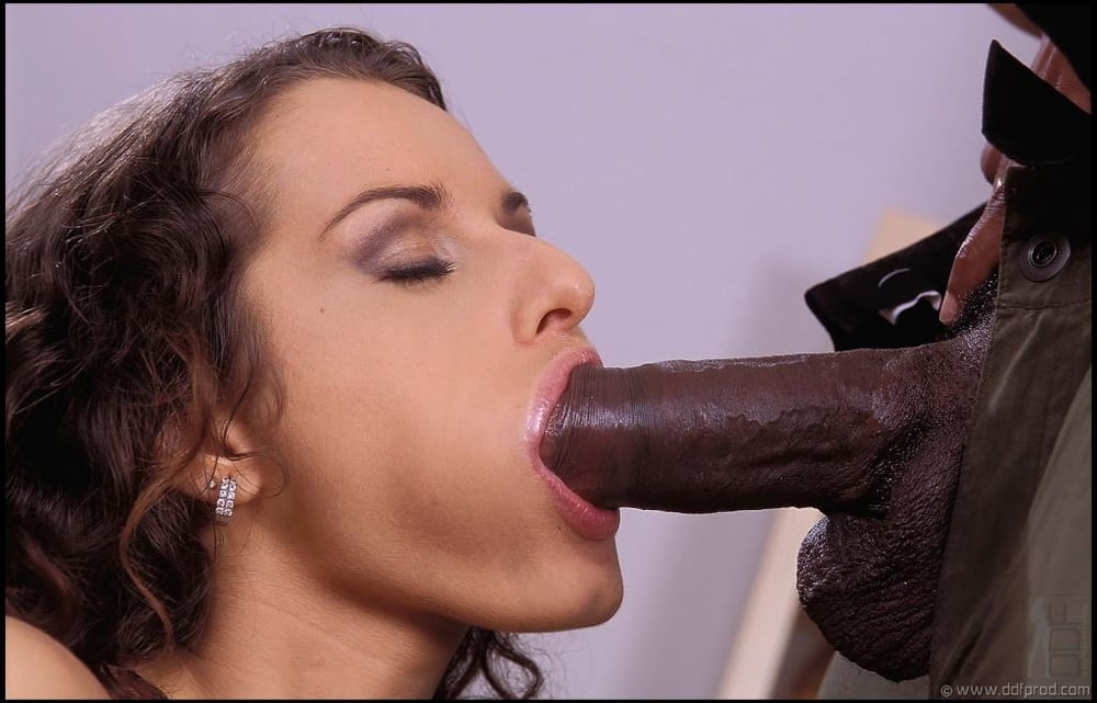 Luisa De Marco Only Blowjob Hustler 1