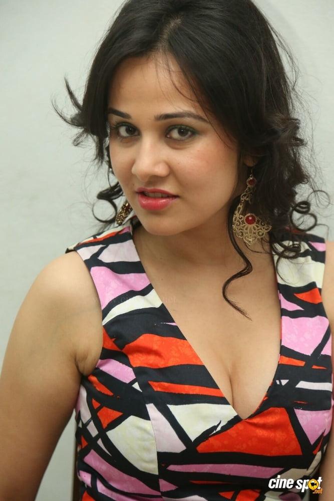 Nisha kothari nude photos-8361