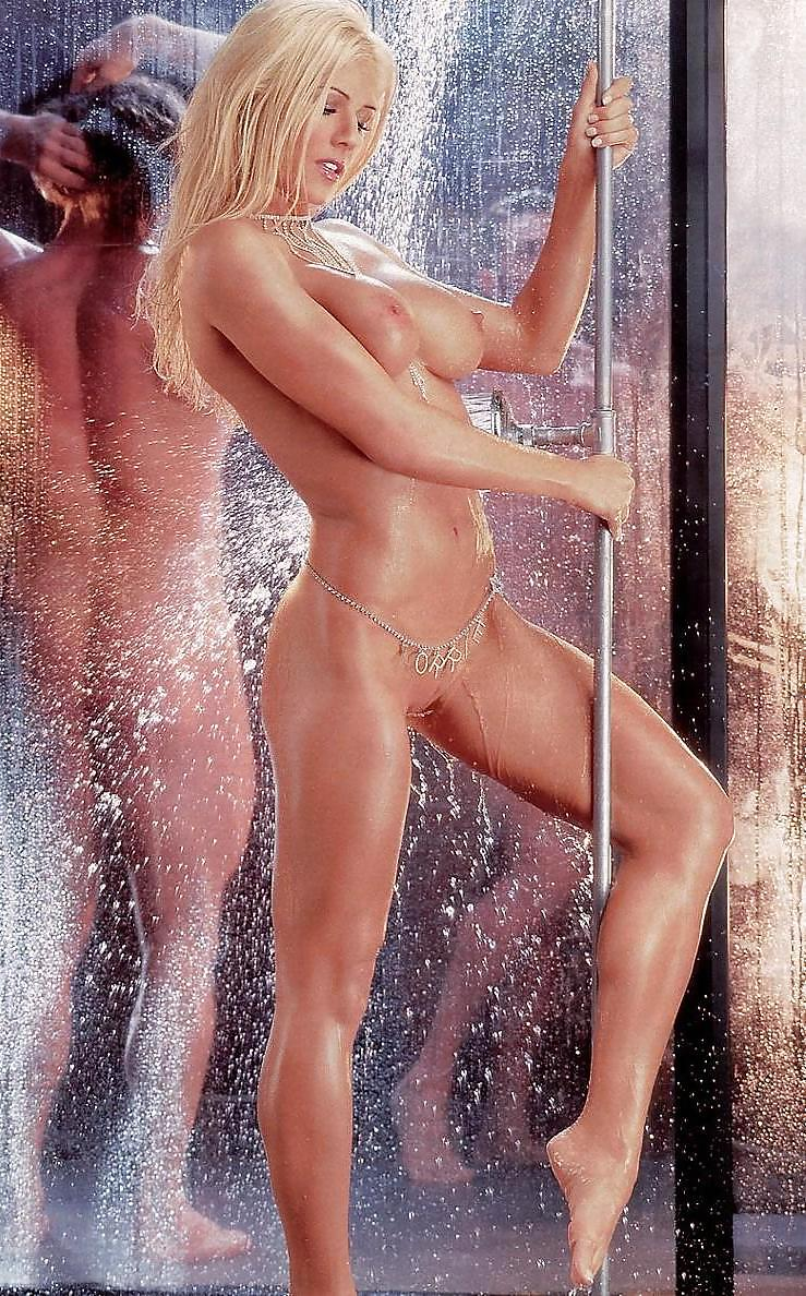 Torrie Wilson Playboy Magazine Issue May 03 - 7 Pics -4727