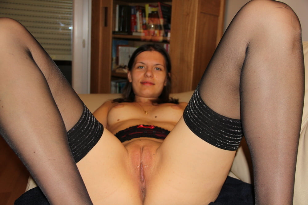 Amateur Wife Likes To Spread Her Legs And Pose Big Amabitch 1