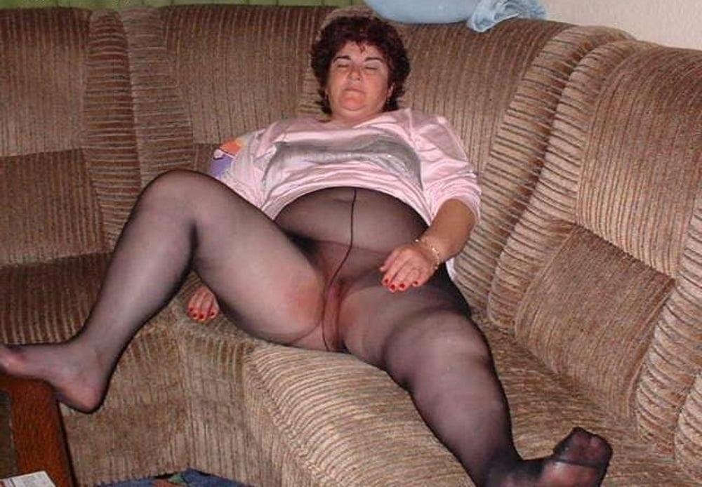 Old women pantyhose pics