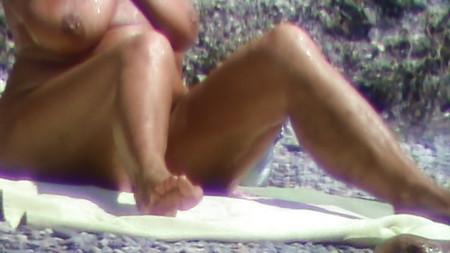 nude beach,geile granny big tits